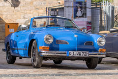 Karmann Ghia - klassisk sportig cabriolet av 70-tal Royaltyfri Bild
