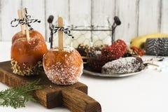 Karmelizujący jabłka - Halloween desset dodatkowej jesień karciany format Zdjęcia Royalty Free