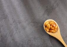 Karmelizujący quinoa sia quinoa - Chenopodium - Odgórny widok obrazy stock
