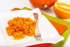 Karmelu deser bania z pomarańczowym zapałem Obraz Royalty Free