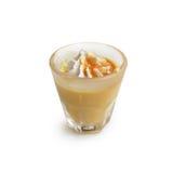 Karmelu parfait desery marznący na białym tle Zdjęcia Stock