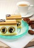Karmelu tort z daktylową owoc fotografia stock