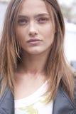 Karmen Pedaru för modemodell stående i New York Arkivfoto