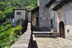 Karminowa Superiore wioska Jeziornym Maggiore, Włochy (lago) Obrazy Stock