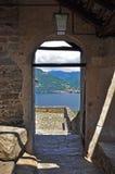 Karminowy Superiore, bramy Jeziorny Maggiore widok, Włochy (lago) Obraz Stock
