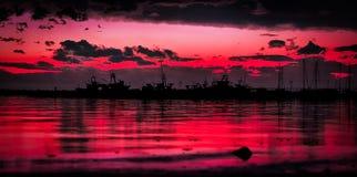 Karminroter Sonnenuntergang Lizenzfreie Stockfotos