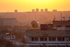 Karmosinröd aftonsolnedgång, Sukhum, Abchazien Royaltyfri Fotografi