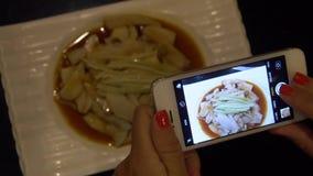 Karmowa fotografia Brać obrazki Chiński naczynie na telefonie komórkowym zdjęcie wideo