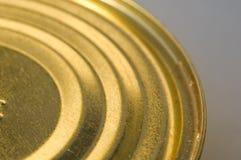 Karmowe żółte blaszane puszki obrazy stock