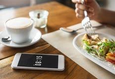 Karmowego cateringu łasowania telefonu komórkowego Cukierniany Restauracyjny Śniadaniowy Conc zdjęcia stock