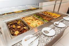 Karmowy bufet jaźni usługa lunch lub gość restauracji fotografia royalty free