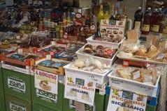 Karmowy kiosk w Palermo zdjęcia stock