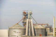 Karmy fabryka lub karma przemysłowi dla zwierzęcia Zdjęcia Stock