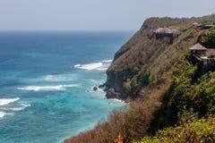 Karmy plaża w Ungasan, Bali, Indonezja Turkus woda, skały, ocean sceneria fotografia royalty free