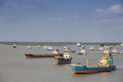 Karnafuli flodstad av Chittagong Arkivbild