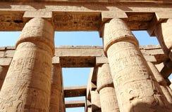 Karnak寺庙的了不起的次附尖霍尔。 免版税库存照片