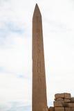 Karnak tempelobelisk arkivfoto