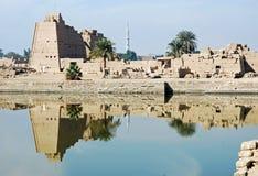 karnaklaken luxor fördärvar det sakrala tempelet Arkivfoton