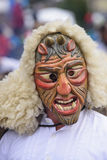 Karnawałowa parada z rzeźbiącą drewnianą maską Fotografia Stock