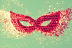 Karnawał maska z błyszczącym pięknym bokeh Obraz Royalty Free