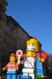 Karneval - Lego Blockhin- und herbewegung Stockfotografie