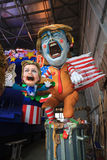 Karneval mit Donald Trump-Karikatur auf allegorischem Warenkorb in Viare Lizenzfreies Stockfoto