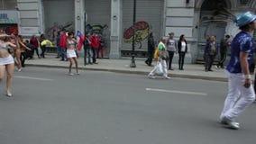 Karneval während des Protestes, Valparaiso stock footage