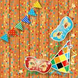 Karnevalbakgrund med festoonen, maskeringar och hatten Fotografering för Bildbyråer