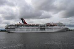 KarnevalCruse skepp Royaltyfria Bilder