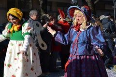 karnevaldockor up wind royaltyfria foton