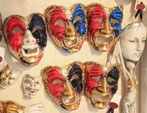 karnevalet maskerar venetian Arkivfoton