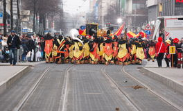Karnevalet ståtar i Mannheim, Tyskland, beskådar bakifrån Royaltyfri Fotografi