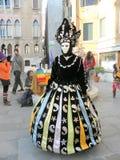 Karnevalet Venezia, kostymerar och maskerar 11 Arkivfoto