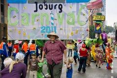 karnevaljoburg ståtar gatan Royaltyfri Fotografi