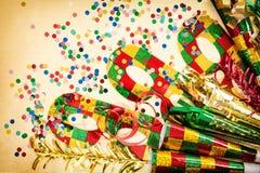 Karnevalmaskering och garneringar Venetian feriebakgrund Fotografering för Bildbyråer