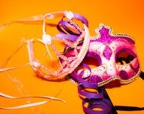 Karnevalmaskering och krona Arkivfoto