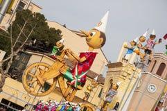 Karnevalpinocchiomaskering 2014 Royaltyfria Foton