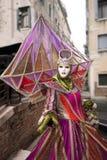 Karnevals-Schablone im Venedig Italien Stockbilder