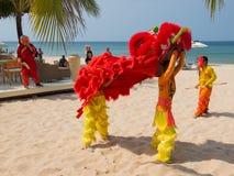 Karnevalsdarstellung auf dem Strand Lizenzfreies Stockbild