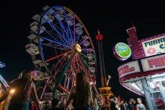 Karnevalsfahrten und Festivallebensmittel Lizenzfreies Stockfoto