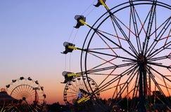 karnevalsilhouettes Arkivbilder