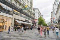 Karntner Strasse (Karinthische Straat), Wenen, Oostenrijk, Royalty-vrije Stock Afbeeldingen
