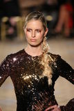 Karolina Kurkova walks the runway for the Christian Siriano collection Stock Image