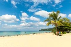 Karonstrand in Phuket-eiland Thailand Stock Foto's