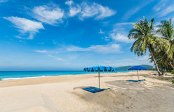 Karonstrand Phuket, Thailand stock foto's