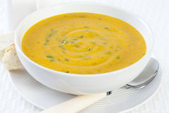 Karotte-Suppe mit Koriander Lizenzfreies Stockbild