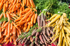 Karotten auf Bildschirmanzeige am Markt Lizenzfreie Stockbilder
