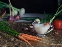 Karotten auf dem Tisch Lizenzfreies Stockfoto