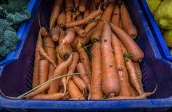Karotten im Supermarkt lizenzfreies stockfoto