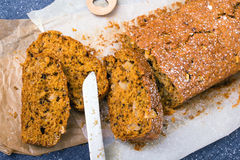 Karottenkuchen Lizenzfreie Stockbilder